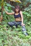 Vrouw in wildernis royalty-vrije stock foto