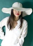Vrouw in wit overhemd Stock Fotografie