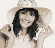 Vrouw in witte hoed Royalty-vrije Stock Fotografie