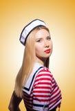 Vrouw in zeemanskostuum - marien concept Royalty-vrije Stock Foto