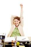 Vrouw in zich bureau het uitrekken Royalty-vrije Stock Fotografie