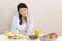 Vrouw zonder eetlust royalty-vrije stock fotografie