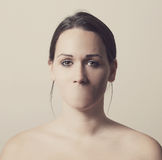 Vrouw zonder mond Stock Foto's