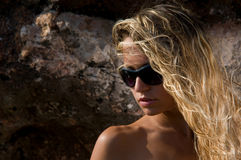 Vrouw in zonnebril Royalty-vrije Stock Afbeeldingen