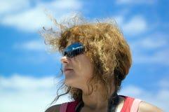 Vrouw in zonnebril Stock Afbeelding