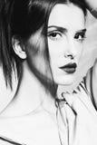 Vrouw in zwart-wit royalty-vrije stock afbeelding