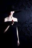Vrouw in zwarte royalty-vrije stock foto
