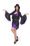 Vrouw in zwarte en violette die kleding op wordt geïsoleerd Stock Afbeelding