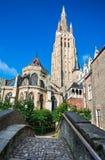 Vrouwekerk kyrka av vår dam, Bruges Arkivfoton