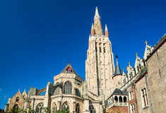 Vrouwekerk kyrka av vår dam, Bruges arkivbild