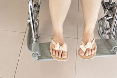 Vrouwelijk been op rolstoel Royalty-vrije Stock Foto