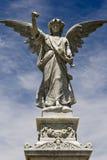 Vrouwelijk engelenstandbeeld Stock Afbeeldingen
