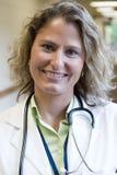 Vrouwelijk medisch professioneel portret Stock Foto's