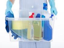Vrouwelijk Meisje Holding Cleaning Supplies stock afbeeldingen