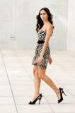 Vrouwelijk model bij manier Royalty-vrije Stock Fotografie