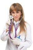 Vrouwelijke arts met de Stethoscoop stock foto's