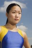 Vrouwelijke Atleet Looking Away royalty-vrije stock afbeelding
