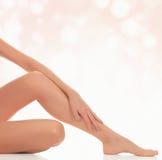 Vrouwelijke benen na ontharing Royalty-vrije Stock Foto's