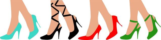 Vrouwelijke benen in schoenen Stock Afbeelding