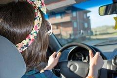 Vrouwelijke bestuurder in een auto Royalty-vrije Stock Fotografie