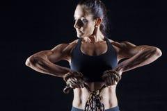 Vrouwelijke bodybuilder royalty-vrije stock afbeeldingen
