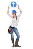 Vrouwelijke bouwer in studio Stock Afbeelding