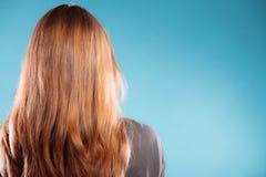 Vrouwelijke bruine lange gezonde losse haar achtermening Royalty-vrije Stock Foto