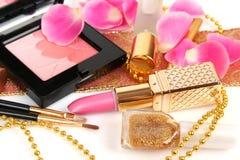 Vrouwelijke decoratieve schoonheidsmiddelen Stock Foto