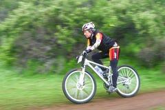 Vrouwelijke fietser Royalty-vrije Stock Afbeeldingen