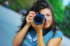 Vrouwelijke fotograaf stock foto's