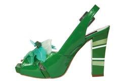 Vrouwelijke groene schoenen stock foto's