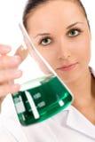 Vrouwelijke laboratoriumarbeider Royalty-vrije Stock Foto