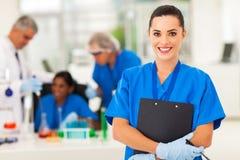 Vrouwelijke laboratoriumtechnicus Royalty-vrije Stock Afbeelding
