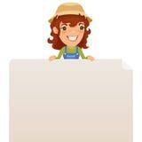 Vrouwelijke Landbouwer die Lege Affiche op Bovenkant bekijken Stock Fotografie
