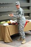 Vrouwelijke legermilitair Stock Fotografie