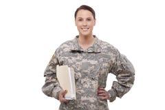 Vrouwelijke militair met documenten Royalty-vrije Stock Foto