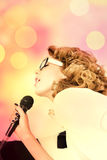 Vrouwelijke Pop Zanger Royalty-vrije Stock Afbeelding
