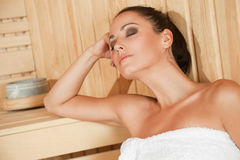 Vrouwelijke sauna Stock Foto's