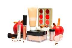 Vrouwelijke schoonheidsmiddelen en toebehoren, samenstelling stock fotografie