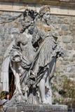 Vrouwelijke standbeelden bij Peles-Kasteel, Roemenië Royalty-vrije Stock Foto's