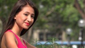 Vrouwelijke Tiener in Liefde stock videobeelden