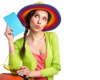Vrouwelijke toerist met reiskoffer stock afbeelding