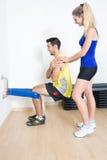 Vrouwelijke trainer die opleiding verklaren Royalty-vrije Stock Foto