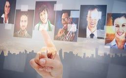 Vrouwelijke vinger die op digitale interface richten Royalty-vrije Stock Foto's