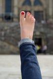 Vrouwelijke voet met een pedicure Stock Foto's