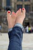 Vrouwelijke voeten met een pedicure Stock Fotografie