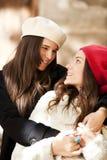 Vrouwelijke vrienden Stock Afbeeldingen