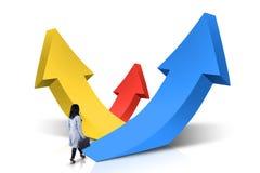 Vrouwelijke werknemergangen naar het toenemen pijlen Stock Afbeelding