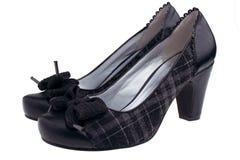 Vrouwelijke zwarte schoenen stock afbeeldingen