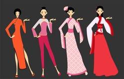 Vrouwen in Aziatische kostuums - China Stock Foto's